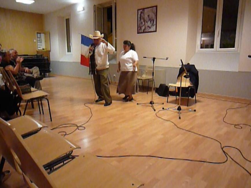07 anibal et une religieuse dansent la punta